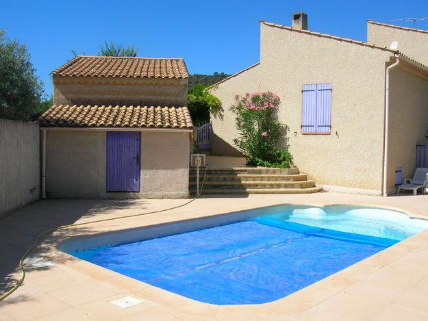 Photo de maison avec piscine for Modele maison avec piscine