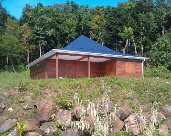 Photo de maison en bois en guadeloupe for Modele de maison en bois