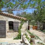 photo maison provencale pierre