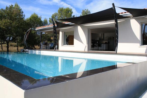 Photos de maisons modernes neuves for Jolie maison moderne
