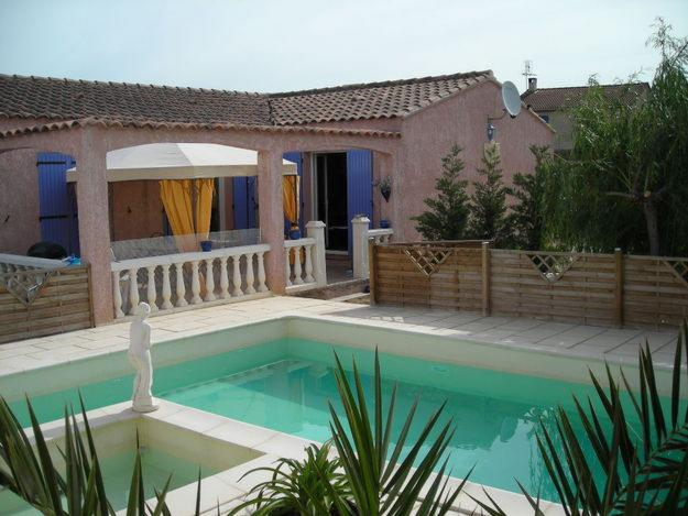 Exemple maison avec piscine for Photo maison avec piscine