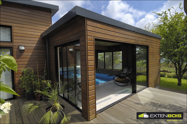 maison bois en kit toit plat votre pool house est trs. Black Bedroom Furniture Sets. Home Design Ideas