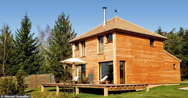 Photo de maison en bois for Petite maison de jardin en bois