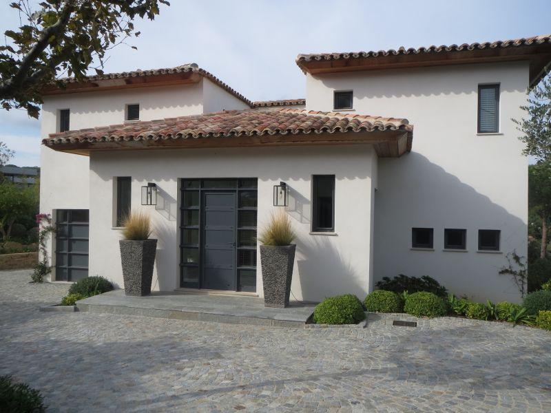 Photo de maison neuve d architecte for Photo maison neuve