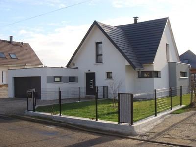 photo de maison originale moderne toit plat. Black Bedroom Furniture Sets. Home Design Ideas
