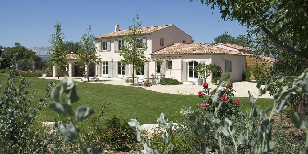 Photo de maison provencale contemporaine for Maison contemporaine provencale