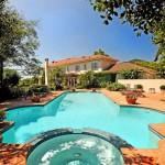 photo de maison de star avec piscine