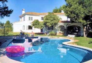 Photo de maison de star avec piscine for Modele maison avec piscine