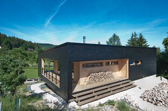 photo de maison en kit contemporaine toit plat. Black Bedroom Furniture Sets. Home Design Ideas
