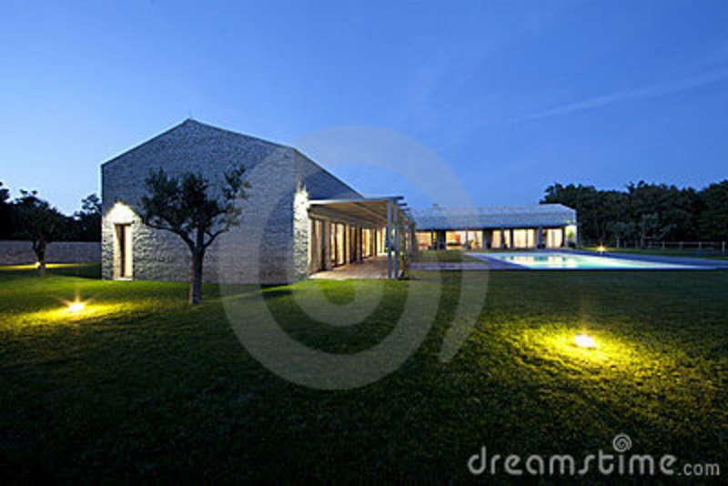 Comparer maison en pierre moderne for Maison pierre moderne