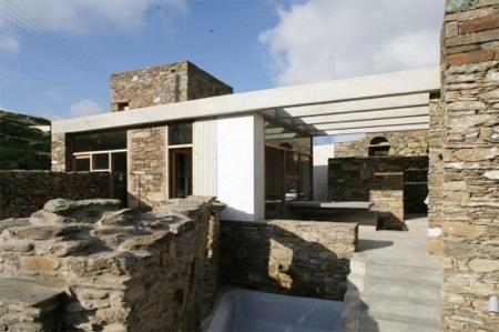 Maison en pierre moderne tendance for Maison pierre moderne