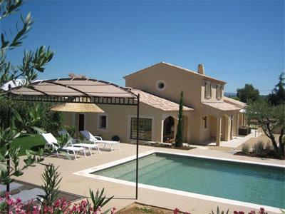 Maison provencale avec piscine for Maison contemporaine provencale