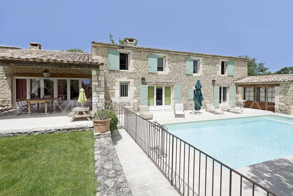 Photo de maison en pierre avec piscine - Photo maison avec piscine ...