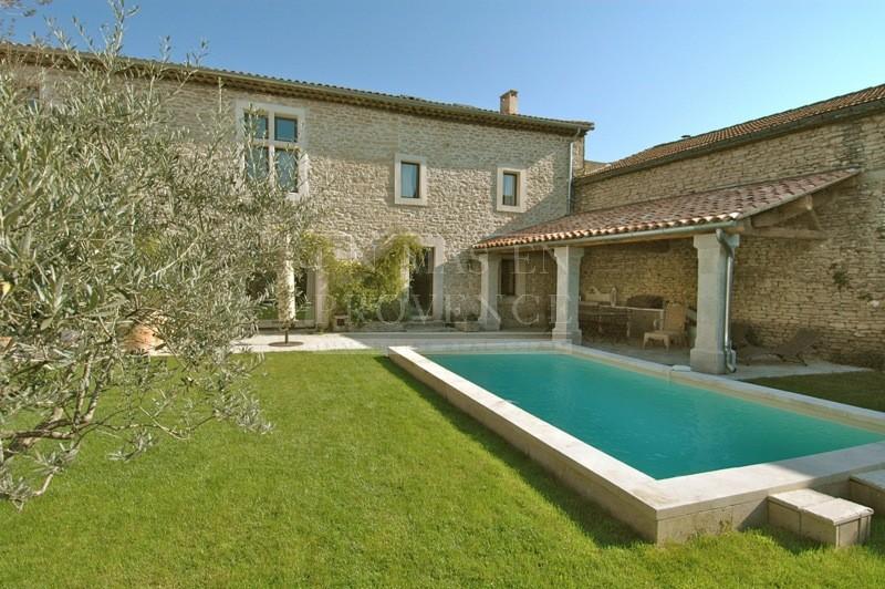 De maison en pierre avec piscine 2014 for Cash piscine 8 mai