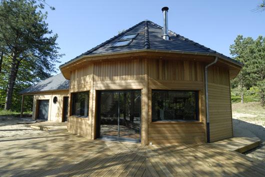 Maison en bois nordique - Maisons rondes en bois ...