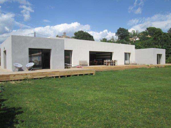 Maison moderne cubique for Exemple de facade moderne