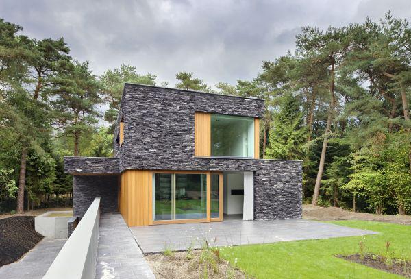 Maison moderne en pierre for Maison en pierre moderne
