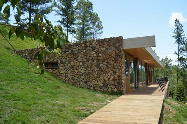 belle maison moderne pierre et bois