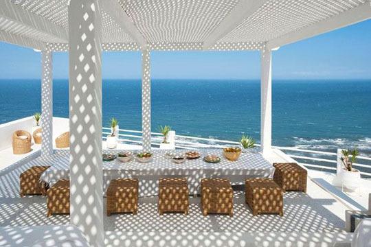 maison moderne bord de mer. Black Bedroom Furniture Sets. Home Design Ideas