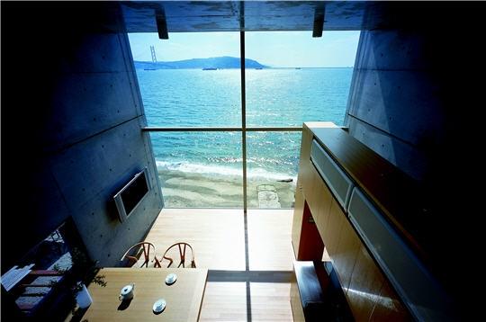 Maison moderne bord de mer - Photo de bord de mer ...