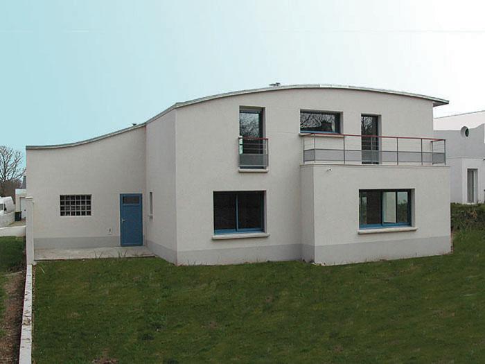 Maison moderne toit zinc for Maison moderne 06