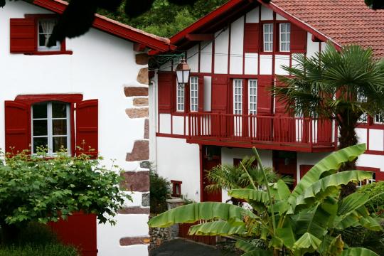 De maison volet rouge basque - Maison volet rouge basque ...