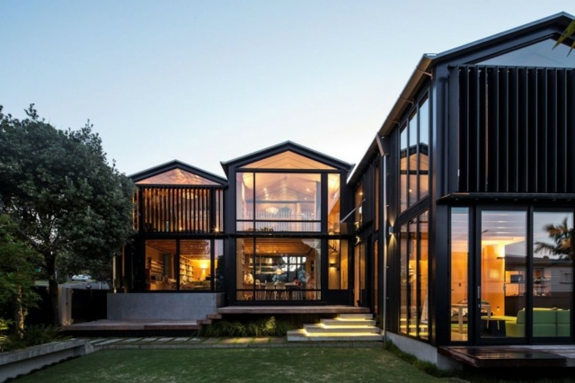 moderne hangar. Black Bedroom Furniture Sets. Home Design Ideas