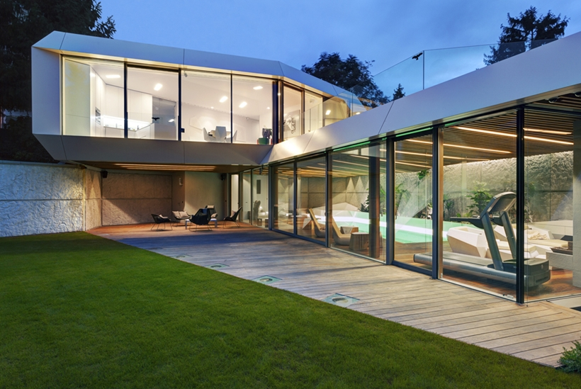 maison-ultra-moderne-2.jpg