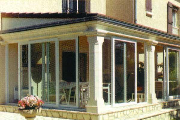 photo de maison avec veranda. Black Bedroom Furniture Sets. Home Design Ideas