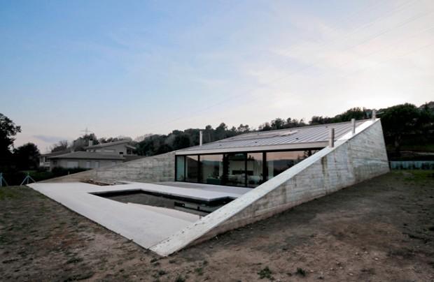 Maison architecte terrain pentu for Maison sur terrain pentu