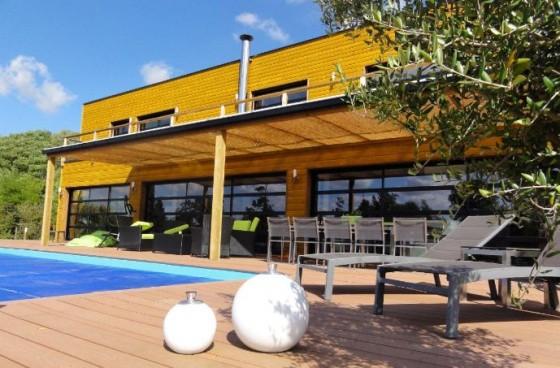 de maison en kit avec piscine toit plat tendance