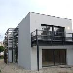 maison contemporaine étroite