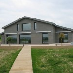 maison moderne grise
